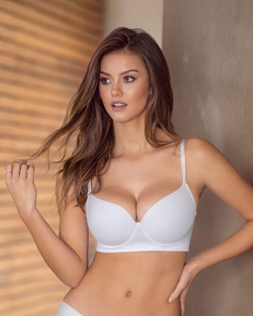 Leonisa Wireless Double Push Up Bras Beautiful Fashion Models Modeling For Leonisa Lingerie.